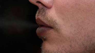 Smoke Lips Lightening